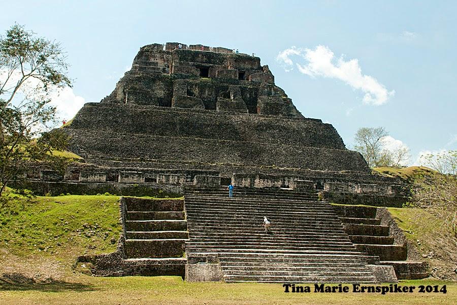 xunantunich-belize-pyramid