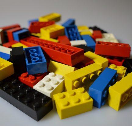 pile-of-legos