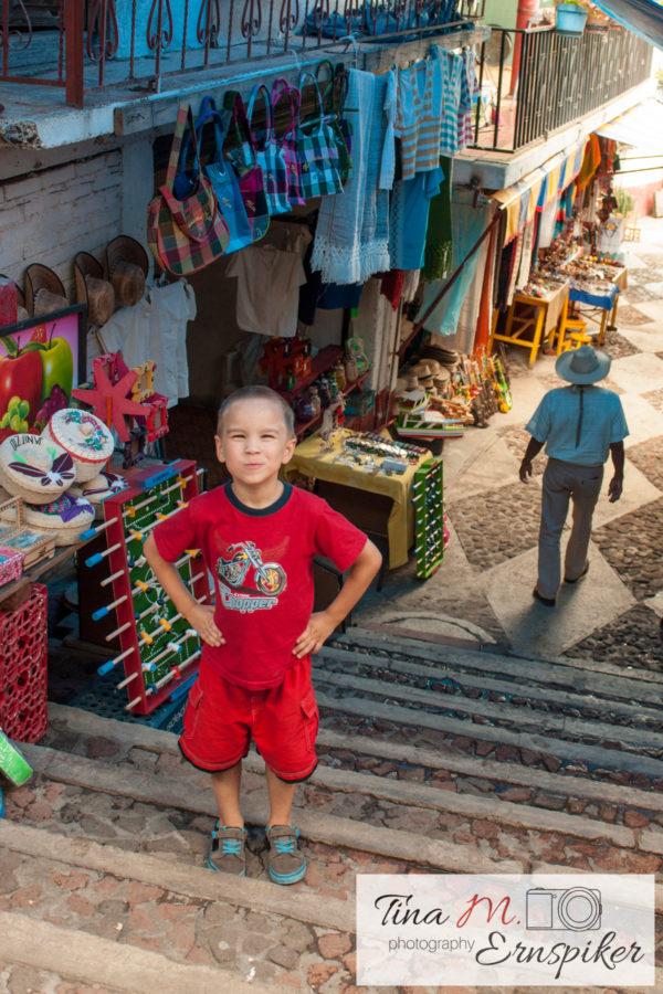34-photos-of-the-island-of-janitzio-beautiful-mexico